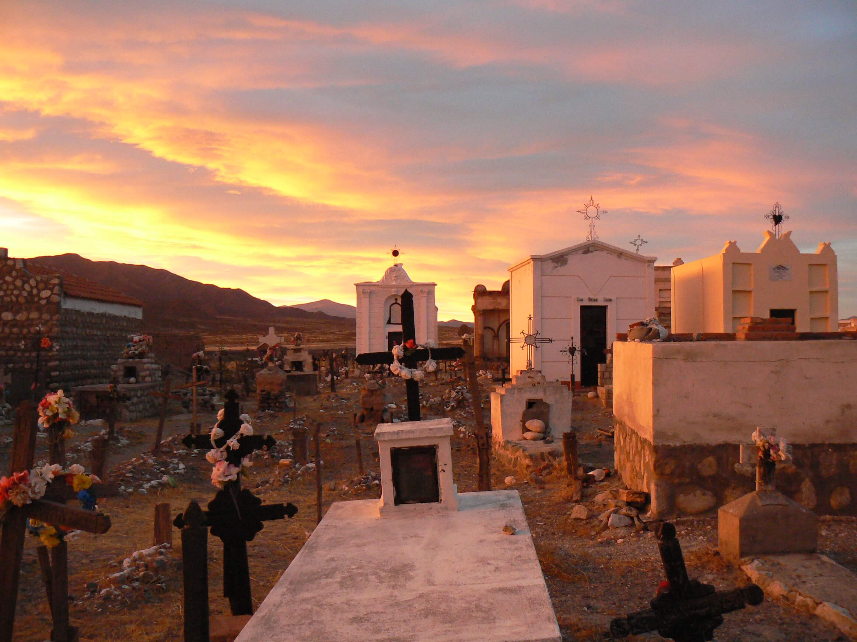 Sundown in a Cachi cemetry